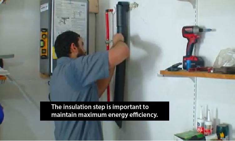 Insulating the hot and cold water lines to ensure energy efficiency
